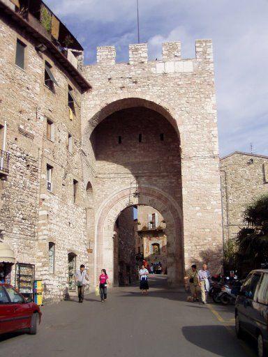Assisi arco La Ciriola